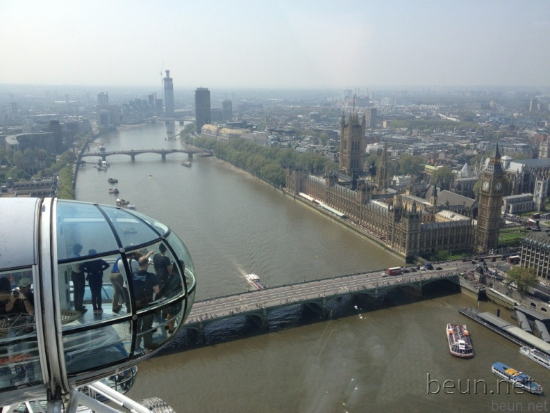 Foto-Vanochtend-in-The-eye-of-London-want-hoog-is-goed-U-ziet-de-Thames-en-de-Big-Ben-.jpg